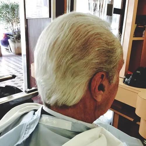 Taglio classico uomo medio lungo eseguito da Figaro barbiere di Torino
